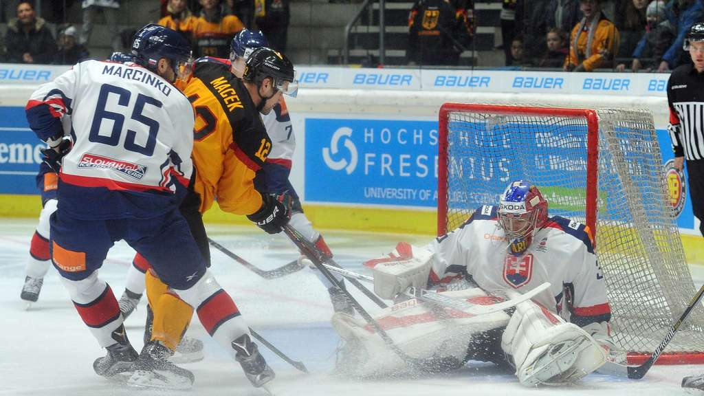 Brooks Macek, DEB, Deutschland-Cup, Eishockey