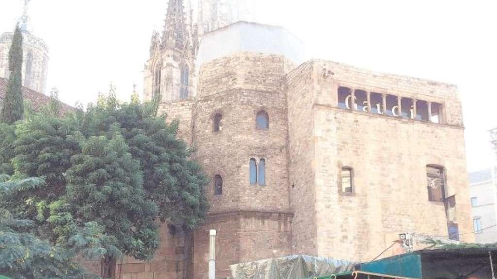 X-mas in Barcelona: Echte Krippen statt Fake-Trikots | X-Ray