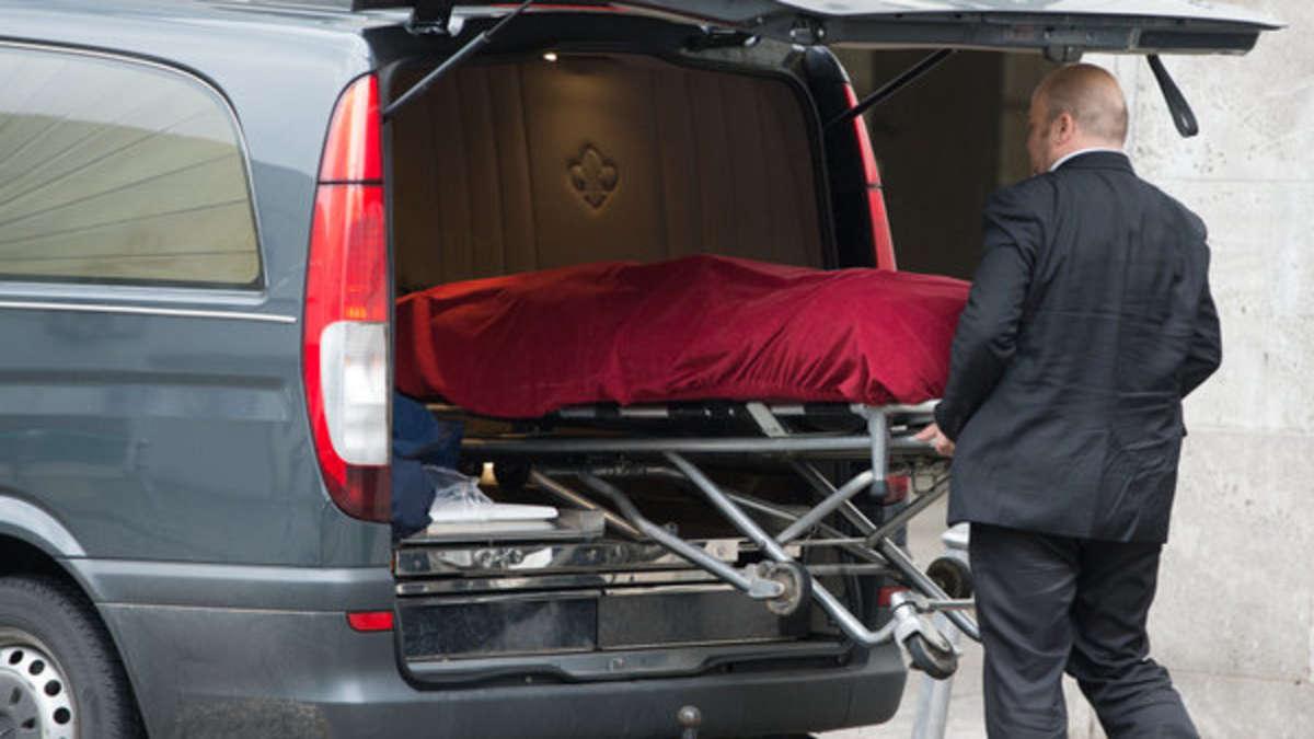 600-ps-mclaren rast in kleinwagen - zwei tote   panorama