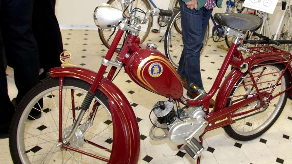 Alte Mopeds In Der Schlossmacher Galerie Radevormwald