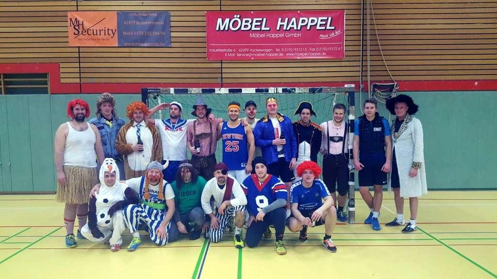 Möbel Happel teams feiern karneval lokalsport
