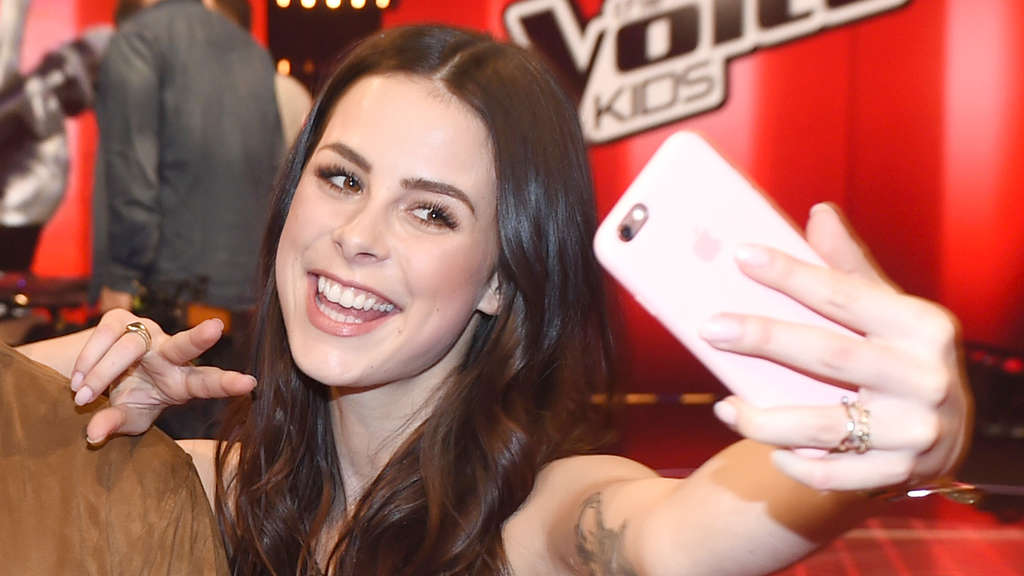 "Lena Meyer-Landrut 2016 beim Finale von ""The Voice Kids""."