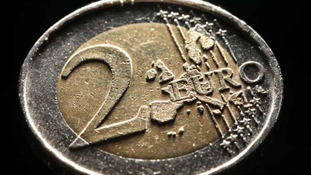 Hat Ihre 2 Euro Münze Genau Diesen Makel Dann Sind 80000 Euro Drin