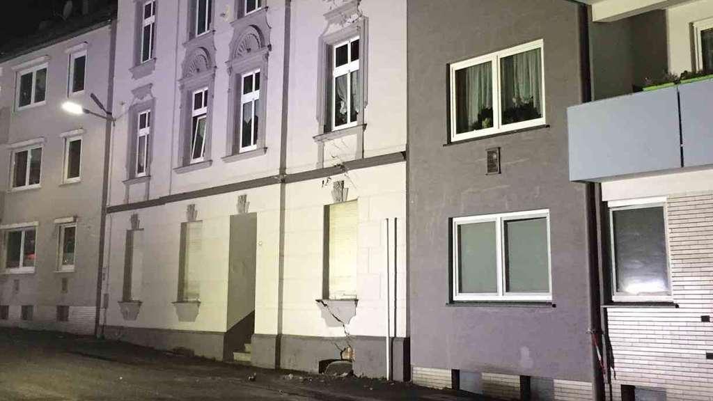 Neue Erkenntnisse zu einsturzgefährdeten Häusern in Wuppertal - Ein ...