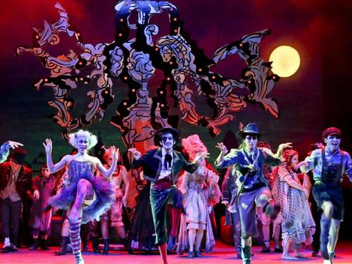"TIPP DES TAGES Teo Otto Theater zeigt die Musicalkomödie ""The Addams Family"""