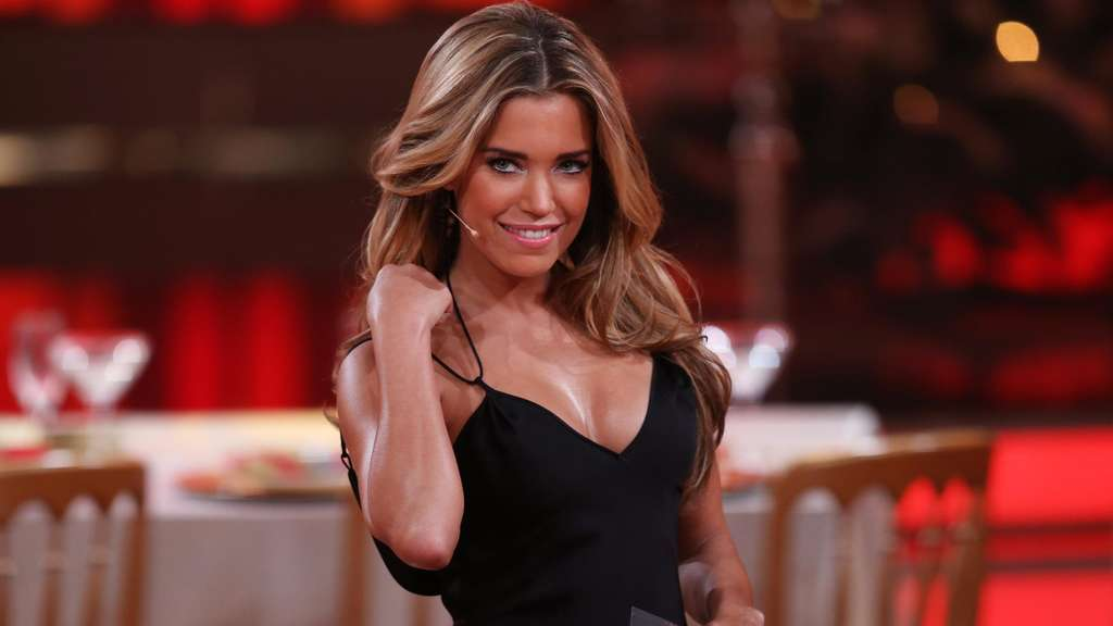 "Sylvie Meis 2013 in der RTL-Tanzshow ""Let&#39s Dance - Let&#39s Christmas"" (Archiv)."