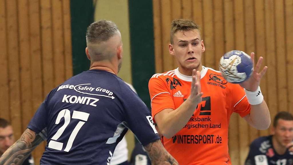 Im Pokal traf Henrik Heider (r.) zweimal gegen den WHV. Am Sonntag kommt´s zum Wiedersehen mit Bartosz Konitz und Co. Foto: Doro Siewert