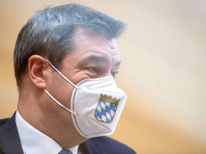 Frau Söder Firma Masken