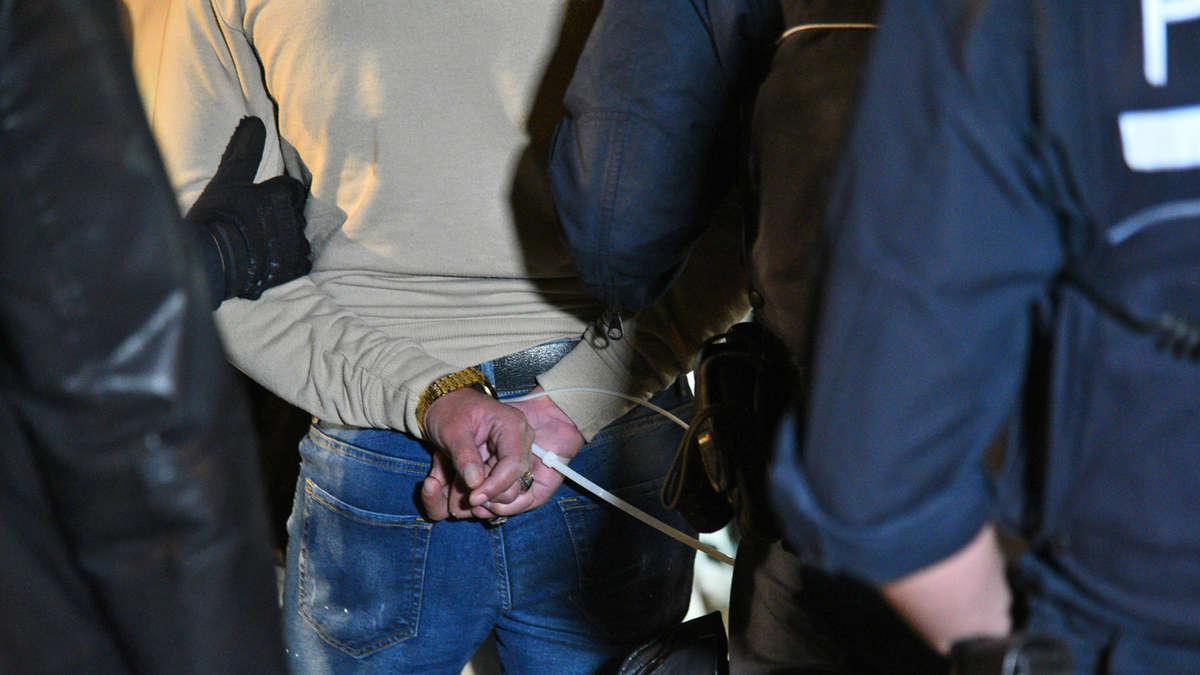 Mannheimer-Rapper-dreht-illegal-Video-in-Parkhaus-Polizei-sprengt-die-Party